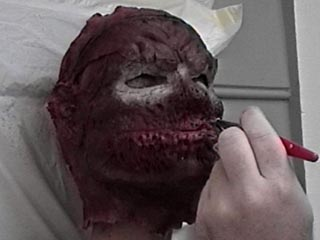 Spray Paint Mask >> Detailing the Latex Mask